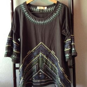 Urban Mangoz Embroidered Tunic w/Bell Sleeves